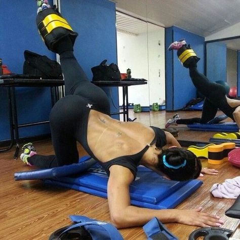 There are tons of 'effective' ways to make your butt feel a new session of 'good' pain when it's time to switch things up. And why not look good in the process    Fit Buzz… Ink… Yoga…. The butt!! @ Loving the trend    GET IT!!    http://www.stayfitbuzz.com/Thanksgiving-weekend-till-Cyber-Monday