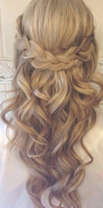 Awesome Amazing Half Up Half Down Classic Wedding Hairstyles Read More By Gjerluf Wedding Hair Down Down Hairstyles For Long Hair Bridal Hairstyles With Braids