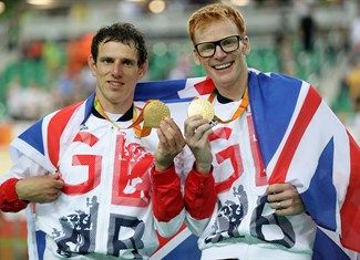 Medal - Bate, Steve - Cycling Track - Great Britain, Brazil - Men's B 4000m Individual Pursuit - Men's B 4000m Individual Pursuit - Gold - Rio Olympic Velodrome