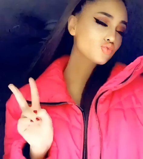 "Ariana grande / Gomez on Instagram: ""Day 22 doing peace sign (30 paige niemann challenge) #paigeniemann #paigeniemannedit #tiktok #beautiful #bekind #idol #followforfollow…"""
