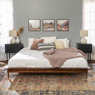 Room Ideas Bedroom, Home Bedroom, Bedroom Decor, Bedrooms, Airy Bedroom, Bedroom Inspo, Master Bedroom Furniture Ideas, Adult Bedroom Ideas, Apartment Master Bedroom