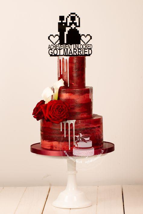#hochzeitstorte #weddingcake #mottohochzeit #themewedding #gamewedding #gametheme #red #achievementunlocked #achievement #gotmarried #it #gameworld #topper #cakedesign #törtlifee #suhr