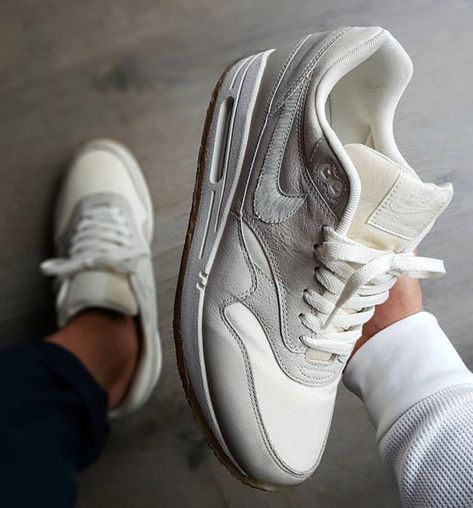 Pin by Travelle A on Shoes in 2019   Sneakers, Sneakers nike