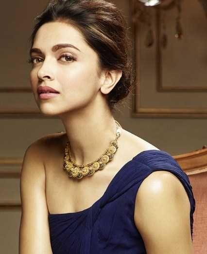 10 People That Look Alike Bollywood Celebrities Yotrending Bollywood Celebrities Celebrities Actress Priyanka Chopra