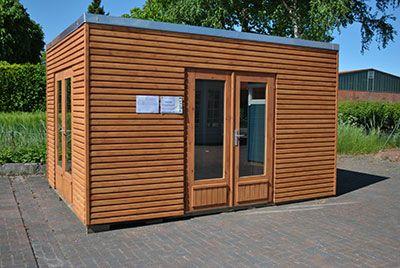 Moderne holzgarage  Gartenhaus Kubus Dr. Jeschke produziert maß-gefertigte Holzhäuser ...