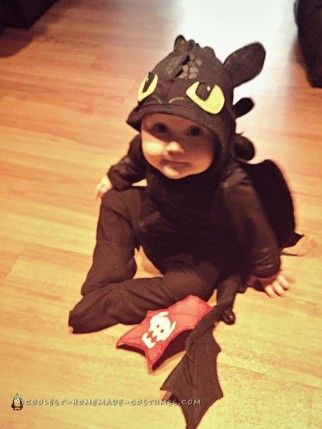 Diy How To Train Your Dragon Toothless Baby Costume For 12 Baby Dragon Costume Dragon Halloween Old Halloween Costumes