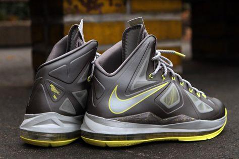 wholesale dealer 352a6 45795 Nike LeBron X Canary