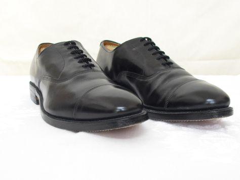 Cap Toe Oxford Shoes in Black Antique