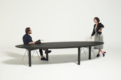 Tavolo Per Terrazzo Allungabile.Friction Il Tavolo Allungabile Di Heatherwick Studio Living