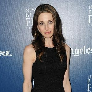 Marin Hinkle Bio - Married, Salary, Affair, Wiki, Family
