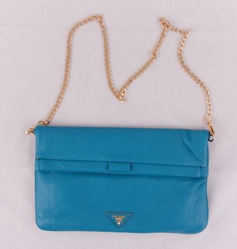 5e82266e91d3 Кожаная сумка-клатч Prada бирюзовая !! Последняя распродажа модели !!  Продаётся с большой скидкой !! !! Отличное качество и низкая цена !!