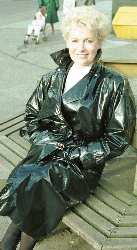 Cheap Rain Jacket Women S #RaincoatMichaelKors  #3/4LengthRaincoatWomens