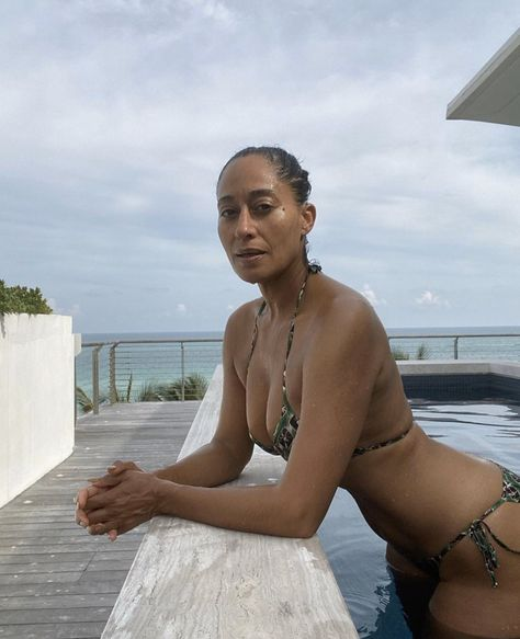 Tracee Ellis Ross Shows Off Her Real Body with No Filter