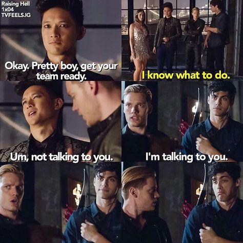 Season 1 Episode 4: Magnus, Alec, Jace  (Mais LA face d'Alec dans la dernière case HAHAHAHA!)