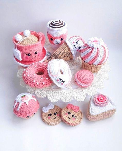 Knitting Toys Easy, Knitting For Kids, Crochet For Kids, Crochet Cake, Crochet Food, Diy Crochet, Newborn Crochet Patterns, Crochet Patterns For Beginners, Crochet Patterns Amigurumi