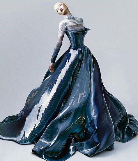 💙 Hian Tjen gown shot by Ryan Tandya, Amazing Liquid silk.💙 Hian Tjen gown shot by Ryan Tandya.