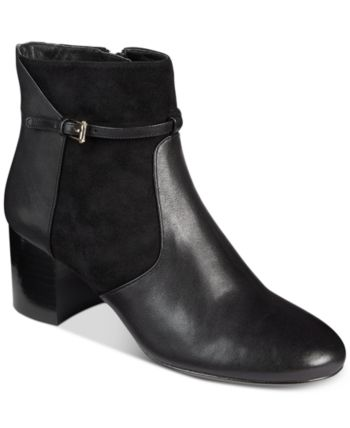 939202300f36 Glammed Wedge Zip Booties