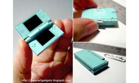 Check out this tiny papercraft model of an ice blue Nintendo DS Lite created by a really dedicated (and really patient) gaming fan. Miniature Crafts, Miniature Food, Miniature Dolls, Geek Crafts, Doll Crafts, Do It Yourself Upcycling, Crea Fimo, Mini Craft, Nintendo Ds