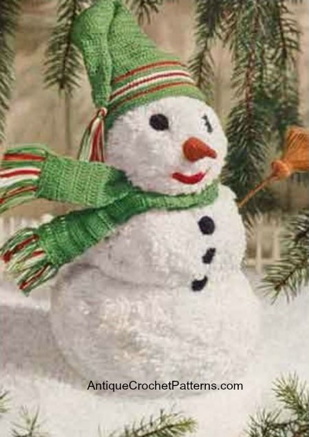 Crochet Snowman - Free Crochet Pattern - A crochet snowman is easy to crochet and can be used as an ornament on your Christmas tree or placed around your home for decoration.