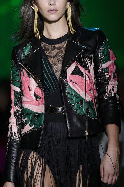 Elie Saab at Paris Fashion Week Spring 2018 - The Most Mesmerizing Runway Details at Paris Fashion Week - Photos