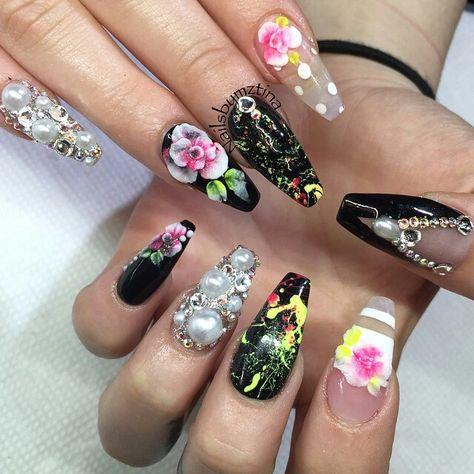 Nails by: Mz Tina   Holiday themed nails, Nail designs, Nails