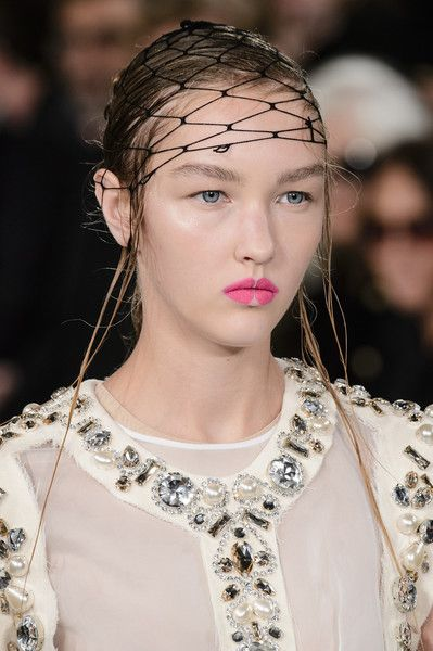 Maison Margiela, Spring 2018 - Our Favorite Hair and Beauty Details From the Paris Runways - Photos