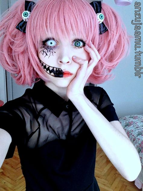 Cute Halloween Makeup and Wig