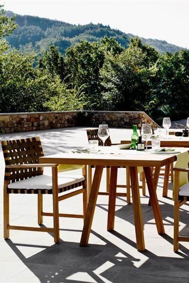 Armlehnstuhl Vis A Vis Von Tribu Bild 12 Rustikale Gartenmobel Gartenmobel Gartenmobel Holz