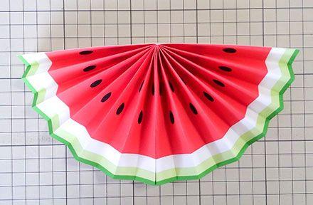 ペーパーファンで作る スイカガーランドの作り方 Happy Birthday Project 七夕 製作 保育 あやめ 折り紙 夏祭り 飾り付け