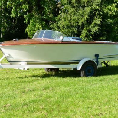 Gentlemans Classic Italian Wooden Vintage Healey Marine Speed Boat