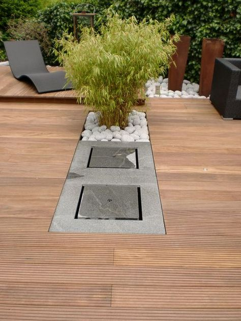 Brunnen In Der Holzterrasse Jpg 480 640 Holzterrasse Garten
