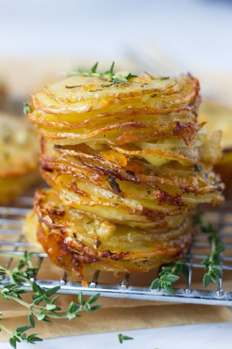 Gruyere and Thyme Stacked Potatoes. Crispy edges and soft gruyere & parmesan centers these stacked potatoes are perfect as a Thanksgiving or anytime! Potato Dishes, Potato Recipes, Food Dishes, Side Dishes, Pumpkin Recipes, Thanksgiving Sides, Thanksgiving Recipes, Appetizer Recipes, Appetizers