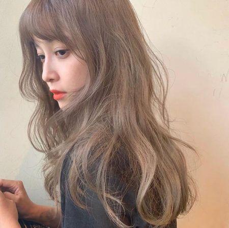 丸顔さん 似合うおすすめの髪型 ヘアスタイル10選 ロングヘア
