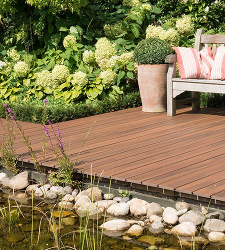 The wood plastic composite deck is made from a blend of real - wpc terrassendielen kunststoff