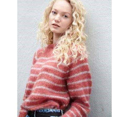 Stripete genser med raglanfelling Strikkegarn og