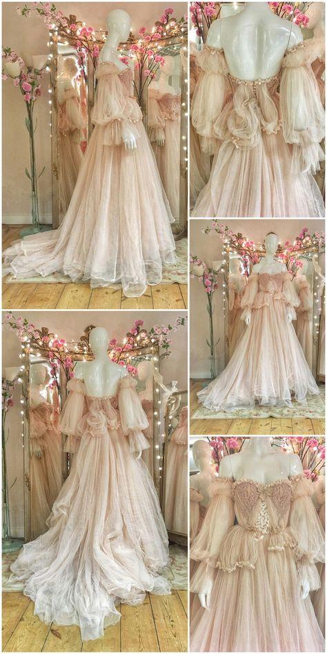 Vestidos Vintage, Vintage Dresses, Pretty Dresses, Beautiful Dresses, Romantic Dresses, Pink Wedding Gowns, Tulle Wedding, Gown Wedding, Wedding Blush