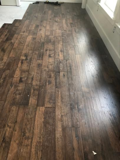 Pergo Outlast Somerton Auburn Hickory 10mm Thick X 7 1 2 In Wide X 47 1 4 In Length Laminate In 2020 Waterproof Laminate Flooring Rustic Flooring Rustic Wood Floors