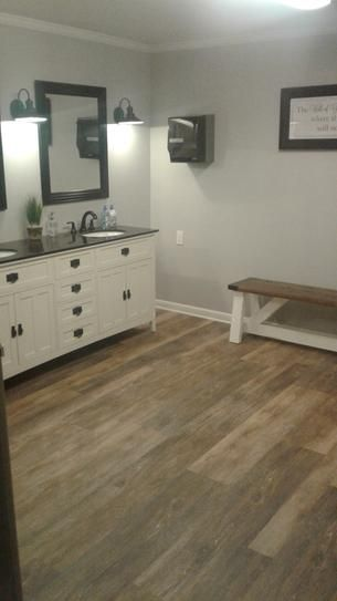 Farmhouse Bathroom Luxury Vinyl Plank Flooring Luxury Vinyl Plank Waterproof Vinyl Plank Flooring