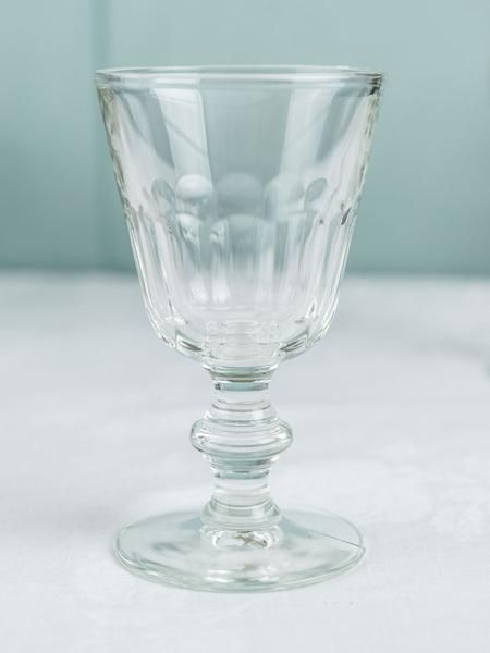 Designed By La Rochere The Makers Of Classic French Tableware These Moulded Water Glasses Offer A Certain Refinement The Fr Glassware Glass Blowing Tableware