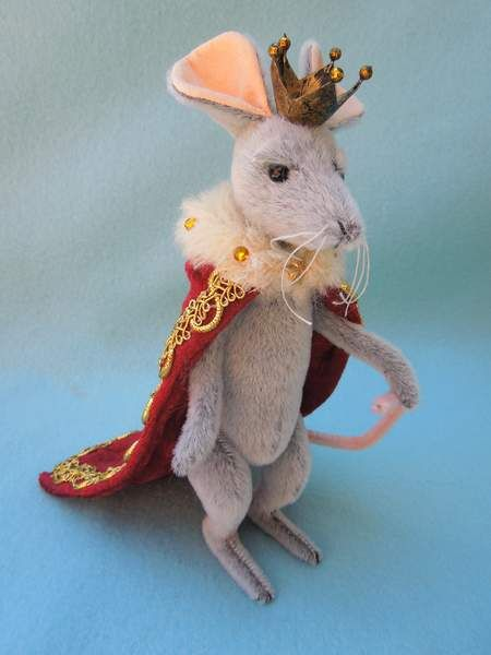 Rat King, by ScaliWagGrrs. Wooooah, reminds me of the Mouse King from Nutcracker!