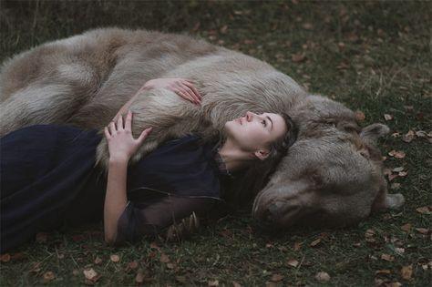 The Russian Photographer Who Shoots Dreamlike Portraits With Real - Russian photographer takes enchanting fairytale photos featuring wild animals