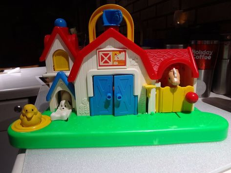 Child S Farm Toy Fisher Price Barn Door Opens Cow Moos Bird Chirps