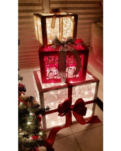 Deco Mesh & scrap pallet wood Christmas presents! | CraftOutlet.com Photo Contest