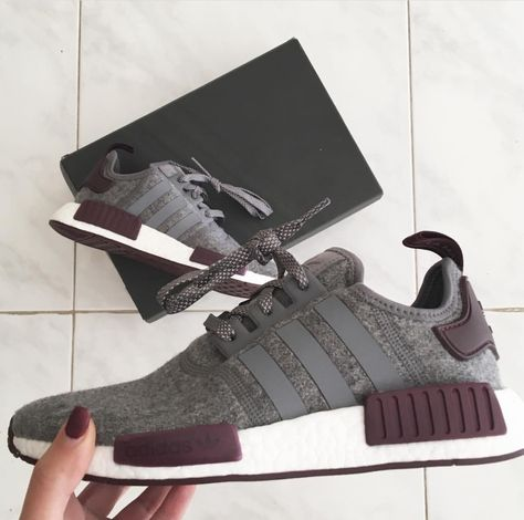 latest fashion save up to 80% sale retailer adidas Originals NMD in dunkelgrau/lila // Foto: sophgatt ...