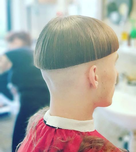 Just a laugh !! #bowlcuts #orbitsmokebarbers #orbitsmoke #edinburghbarbers #edinburgh #barbershop #barberlife #barbergang #barberhub #shaba…