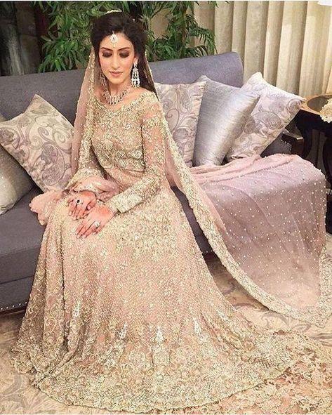 30 Stunning Pakistani Bridal Walima Dresses for Your Inspiration - Folder
