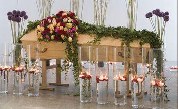 Basisangebote Angelis Bestattungen Munchen Beerdigung Blumen Trauerschmuck Und Trauerkranz