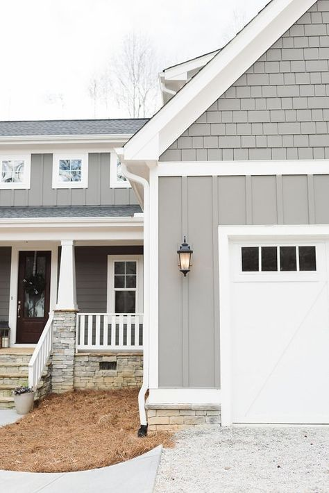 grey exterior house colors with brick ; grey exterior house colors with shutters ; Exterior Gris, Exterior Siding Colors, Exterior Design, Exterior Shutters, Navy Shutters, Wall Exterior, Garage Exterior, Gray Exterior Houses, Gray House Exteriors