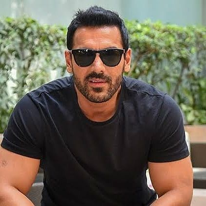 Our Ideas Will Show You How Diffrents Haircuts Can Improve Your Whole Style And Flatter Your Face At Once John Abraham Ensemble Cast Bollywood Actors