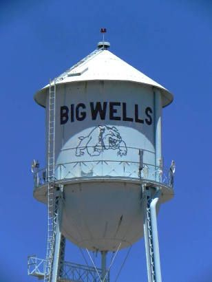 Big Wells Tx Tin Man Water Tower Water Tower Wellness Water Tank